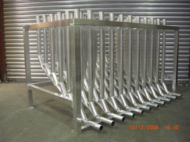 Manifold table